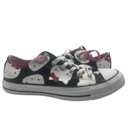 CONVERSE  Unisex Chuck Taylor All Star Ox X HELLO KITTY Sneakers 9 Woman / 7 Man